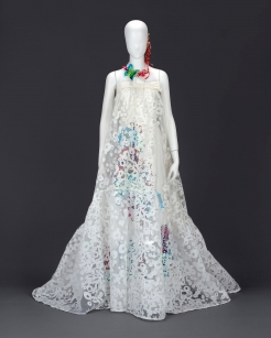 Wedding dress by Kanna Yamauchi