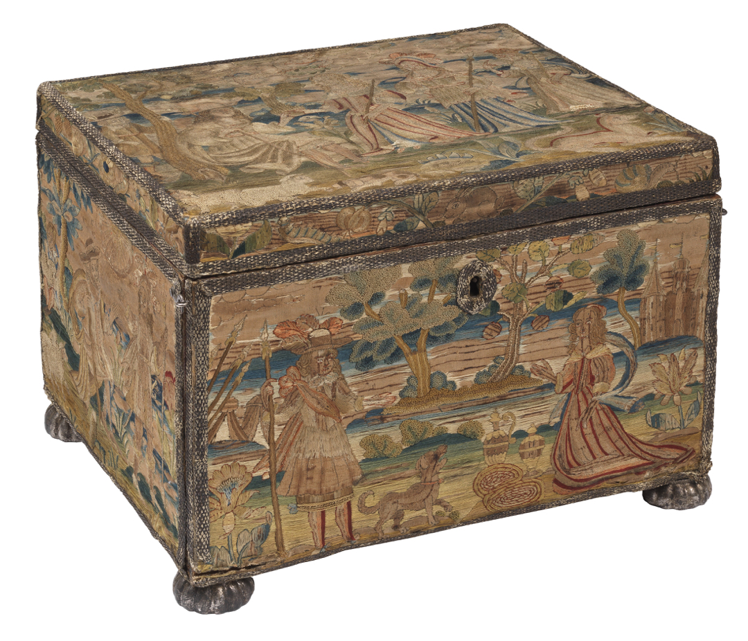 Decorated box with lid
